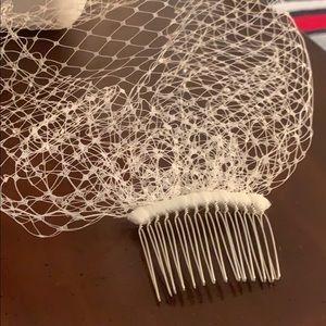 Blusher veil and diamond Bobby pin